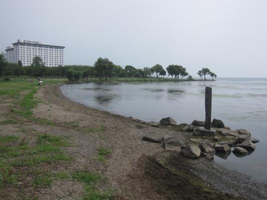 湖畔.jpg